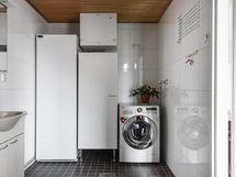 Kylpyhuoneessa onnistuu myös pyykinhuolto