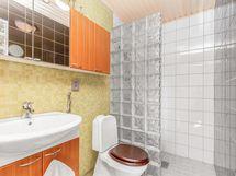 yläkerran wc suihkulla