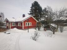Talo ja paja/autotallirakennus