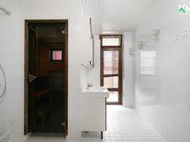 Sauna, kylpyhuone ja wc