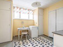Yläkerran keittiö 2