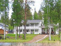 Talo järveltä