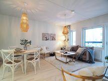 Kuva Kohauksen stailatusta A10 huoneistosta, A38 lattiamateriaali eri sävyinen